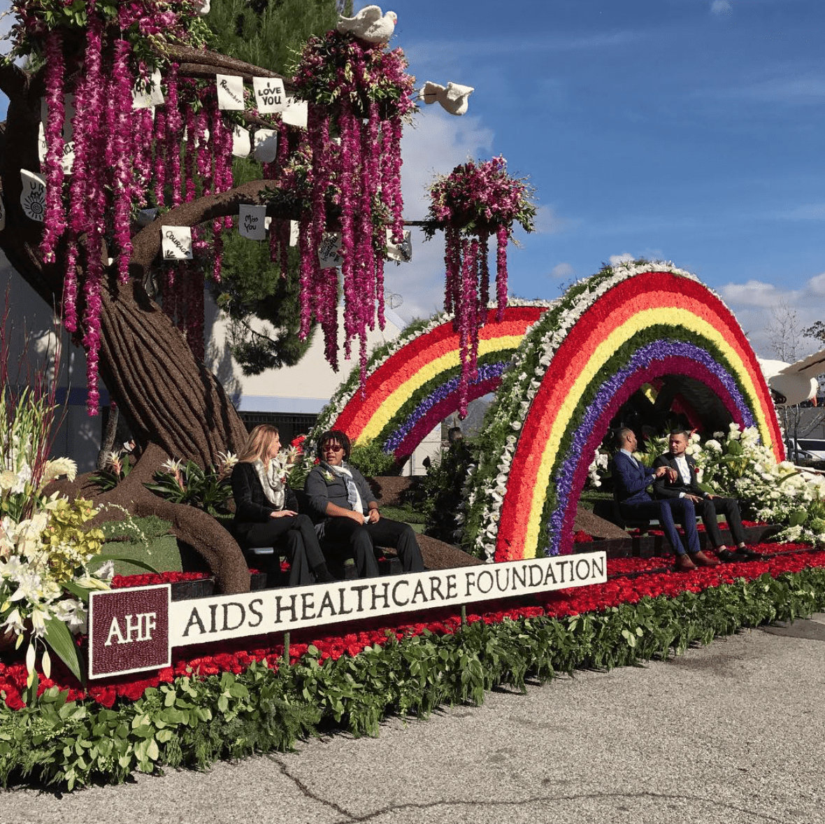 49 doves, commemorating Pulse victims, released at Rose Parade